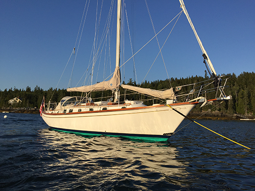 1982 38' Shannon anchored in Maine